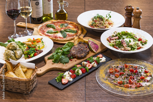 Fotobehang Assortiment イタリアンレストランのコース料理