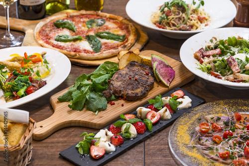 Fototapeta イタリアンレストランのコース料理 obraz