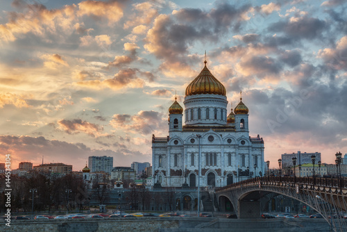 Staande foto Athene Orthodox church of Christ the Savior on sunset, Moscow