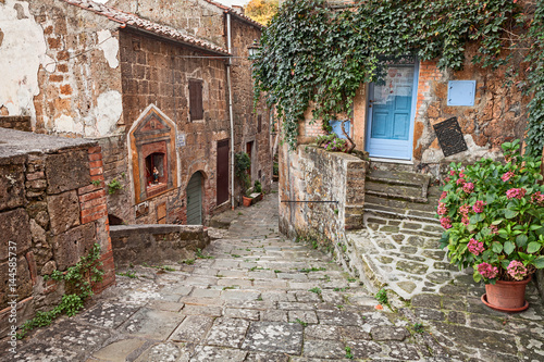Fototapety, obrazy: Sorano, Grosseto, Tuscany, Italy: alley in the old town