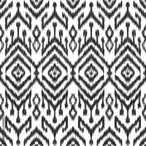 In de dag Boho Stijl Vector illustration of the black and white colored ikat ornamental seamless pattern. Scribble texture.