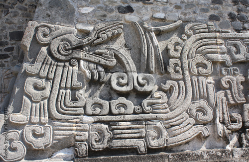 Staande foto Mexico Bas-relief carving with of a Quetzalcoatl, Xochicalco, Mexico