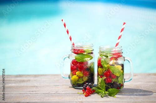 Photo  Glass of natural berry lemonade