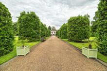Kensington Gardens Park Alley