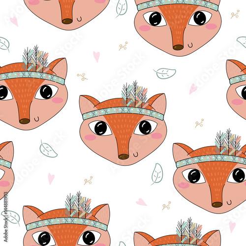 reka-rysujacy-wektor-sliczny-bezszwowy-wzor-z-slicznym-fox