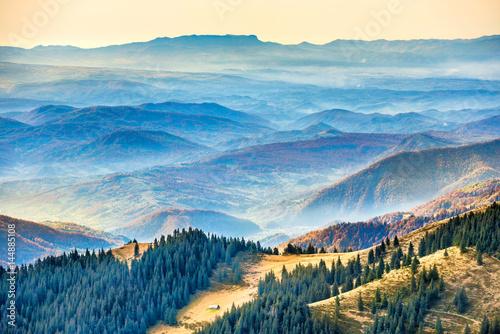 Foto auf Gartenposter Gebirge Beautiful blue mountains and hills