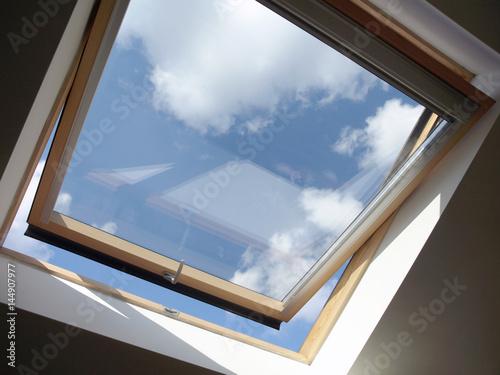 Dachausbau: Dachfenster Innen, geöffnet Wallpaper Mural