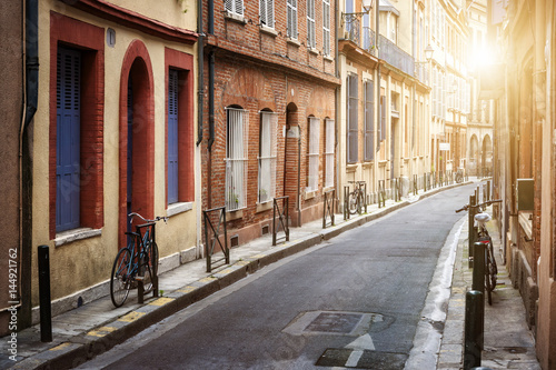 Sunlight in Toulouse