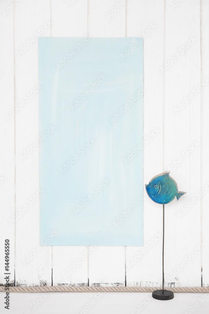 Photo & Art Print Holz Hintergrund hellblau weiß türkis mit Fisch ...