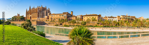 Foto op Plexiglas Oude gebouw Spain Palma de Majorca historic city center panorama view