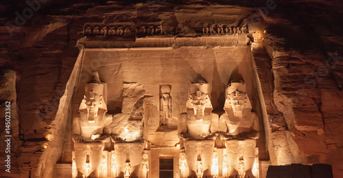 Photo  Abu Simbel - Ramses II