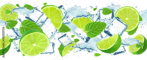 Photo  Lime splash and ice cubes