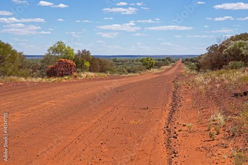Foto op Canvas Baksteen Schotterpiste im Outback