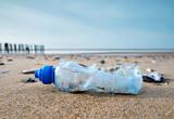 Fototapeta See - pollution sur la plagr