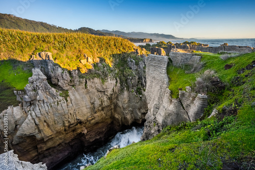 Fotografia, Obraz  Punakaiki Pancake Rocks and Blowholes, West Coast, New Zealand