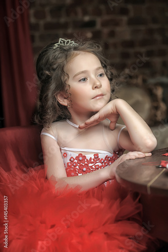 Fényképezés Little girl in red princess dress