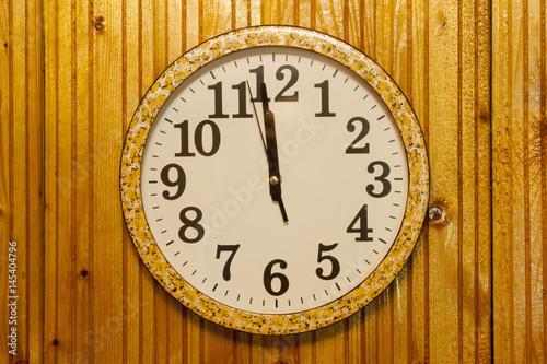 Staande foto Vintage Poster clock on wooden wall