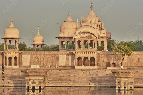 Fotografia  Kusum sarovar ancient abandoned temple in India UP