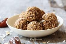 Dates Oatmeal Balls / No Cook ...