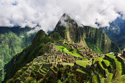 Photo  Machu Picchu, a Peruvian Historical Sanctuary in 1981 and a UNESCO World Heritage Site in 1983