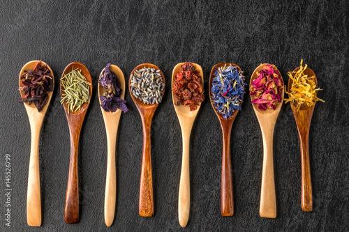 Obraz きれいになるハーブティー  Beautiful herb tea - fototapety do salonu
