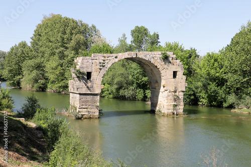 Fototapeta Oppidum Ambrussum Voie Domitienne Pont Ambroix