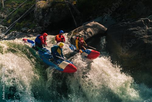 Fotografiet  Rafting on dangerous mountain river
