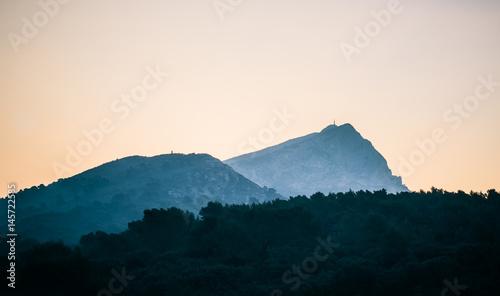 Cuadros en Lienzo La Sainte-Victoire au petit matin.
