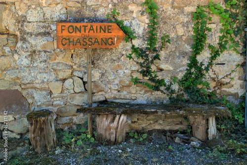Spoed Foto op Canvas Fontaine Fontaine du Chassang à Curemonte (Corrèze)