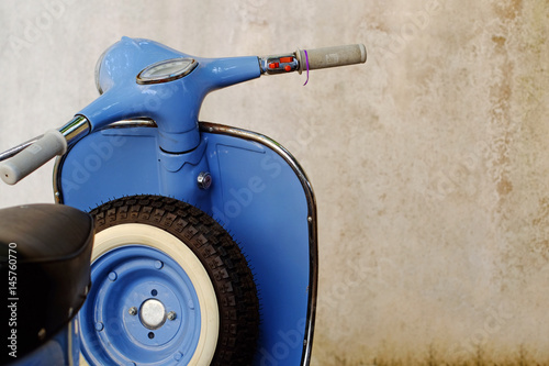 Foto op Canvas Scooter Blue Retro Scooter