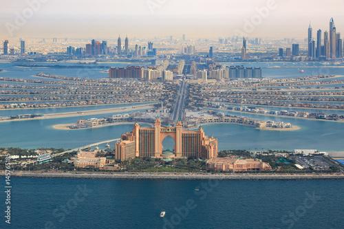 Tuinposter Dubai Dubai Atlantis Hotel The Palm Jumeirah Palme Insel Luftaufnahme Luftbild