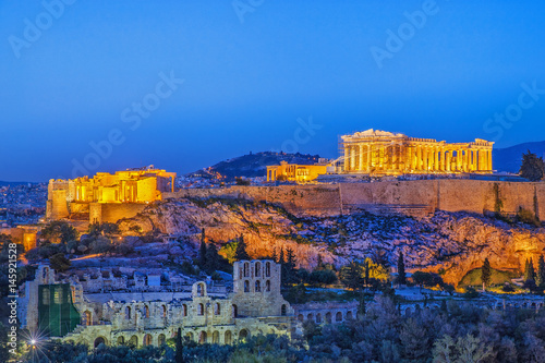 Poster Athenes The Acropolis, UNESCO World Heritage Site, Athens, Greece, Europe. Acropolis is famous travel destination, after sunset scenery.