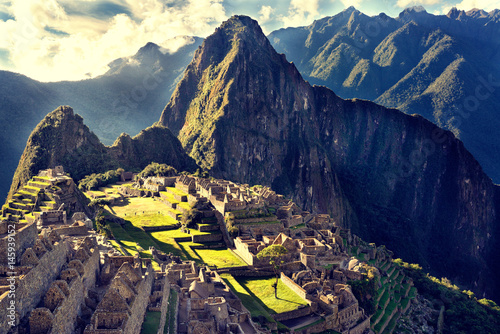 Zdjęcie XXL Widok na starożytne miasto Inków Machu Picchu. Miejsce Inków z XV wieku, `` Zaginione miasto Inków ''. Ruiny sanktuarium Machu Picchu. Miejsce światowego dziedzictwa UNESCO.