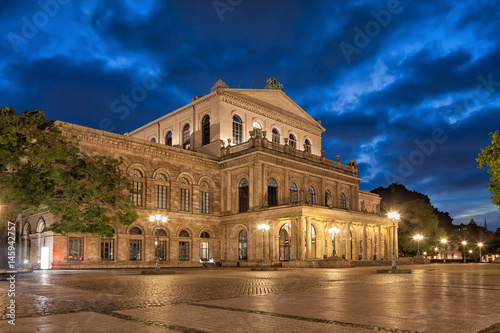 Opera, Theatre Building of Hannover State Opera in the evening, Lower Saxony, Germany