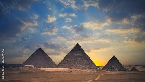 Photo Egyptian pyramids at sunset - Egypt Travel
