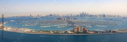 Fotobehang Dubai Dubai The Palm Jumeirah Palme Insel Atlantis Hotel Panorama Marina Luftaufnahme Luftbild