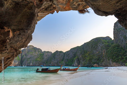 Foto op Aluminium Cathedral Cove Maya Bay is snorkeling point famous tour lagoon in Phi Phi Islands, Krabi , Thailand