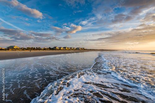 Obraz na plátne Skyline of beach homes at Isle of Palms, in Charleston South Carolina at sunrise