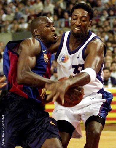 BARCELONA S FRENCH PLAYER DIGBEU BATTLES NIKE ALL STARS  PIPPEN ... 813496c707