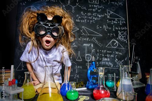 Fotografía crazy little scientist