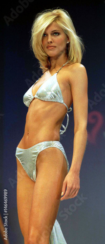 Model Wears A Silver Swimsuit During The Bikini Tricia Prism Helfer iTPXkZuO