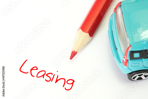 Fotografía  Ein Auto und das Wort Leasing