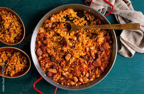 paella in saucepan