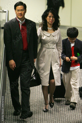 Oasis Hong Kong Airlines Chairman Raymond Lee And Wife Priscilla Gets Off The Plane At Hong