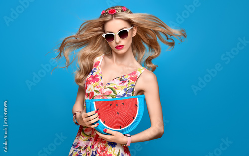 cb77e8578 Fashion Beauty woman in Summer Outfit. Sensual Sexy Blond Model in fashion  pose. Trendy