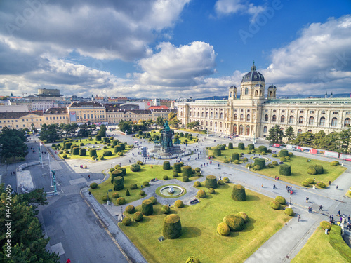 Foto op Canvas Wenen Museum of Natural History and Maria Theresien Platz. Large public square in Vienna, Austria