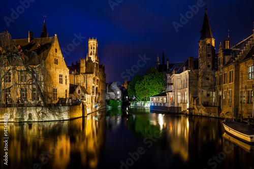 In de dag Brugge Night view of famous Bruges city view, Belgium, nightshot of Brugge canals, houses on Belfry canal