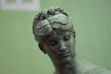 Kopf einer Statue