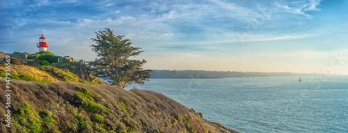 Billede på lærred Bretagne le phare de Port Manech avec vue sur l´entrée du Belon et de l´Aven ave