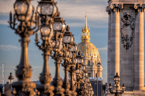 Tuinposter Parijs Alexandre III bridge with Invalides in Paris, France